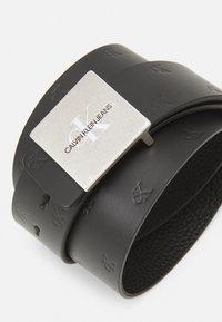Calvin Klein Jeans - SQUARE PLAQUE - Belt - black - 4