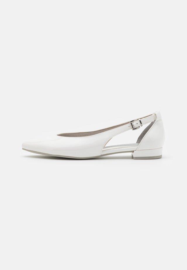 Ballerinaskor - white