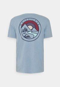 Quiksilver - MOUNTAIN VIEW - Print T-shirt - citadel blue - 1