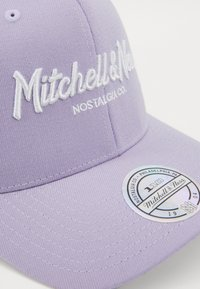 Mitchell & Ness - PINSCRIPT - Caps - passtle purple - 2