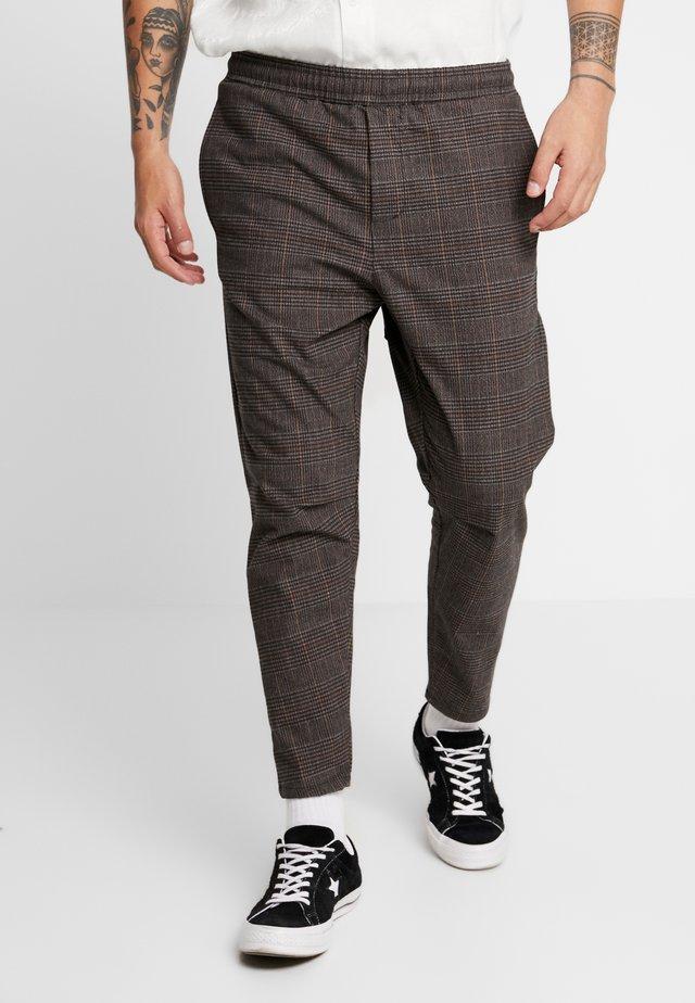 RONALD BENJAMIN - Pantalon classique - brown