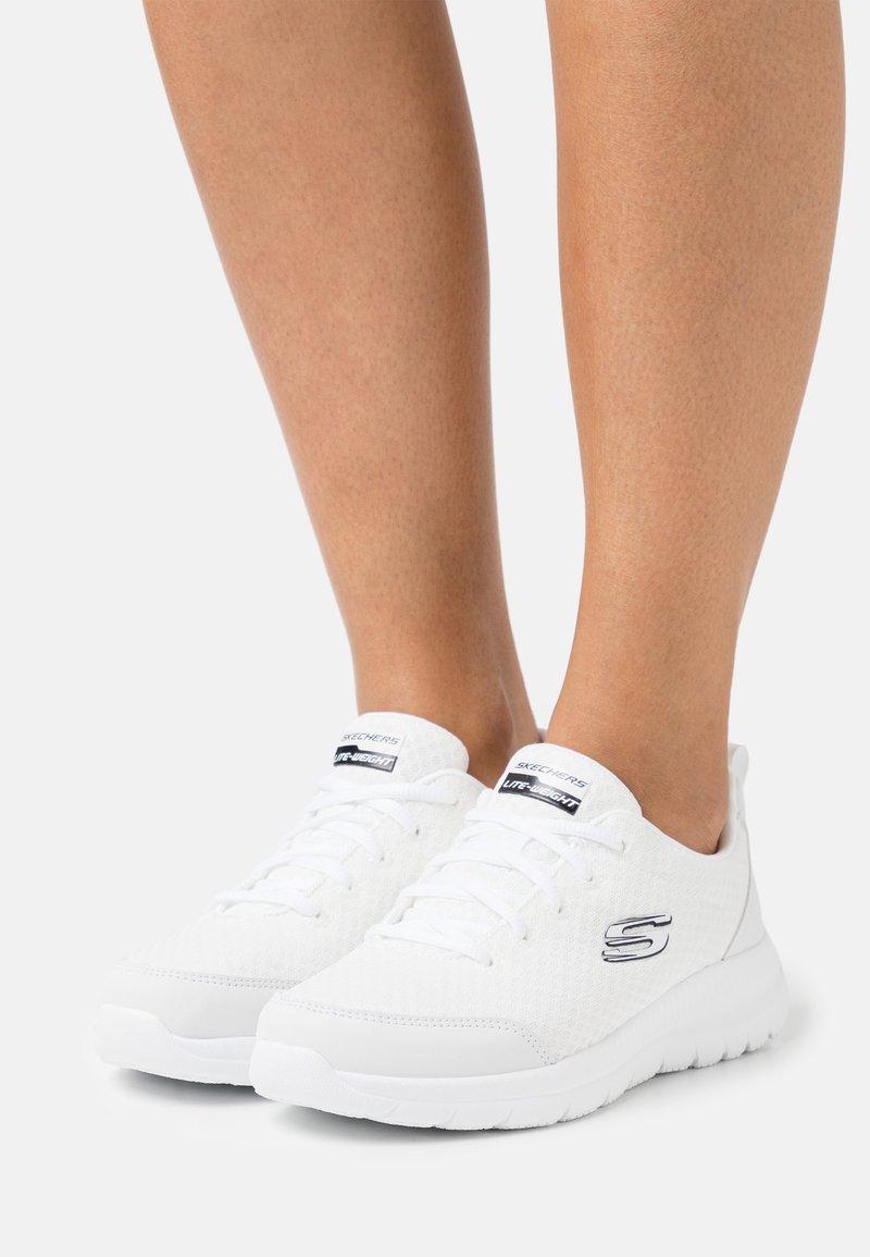 Skechers Sport - BOUNTIFUL - Zapatillas - white/black