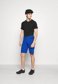 Vaude - MENS ALTISSIMO SHORTS III - Short de sport - signal blue - 1