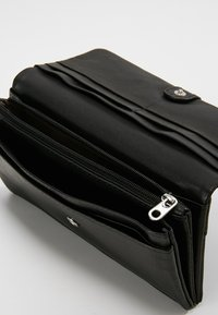 Liebeskind Berlin - SLAM - Wallet - black - 5