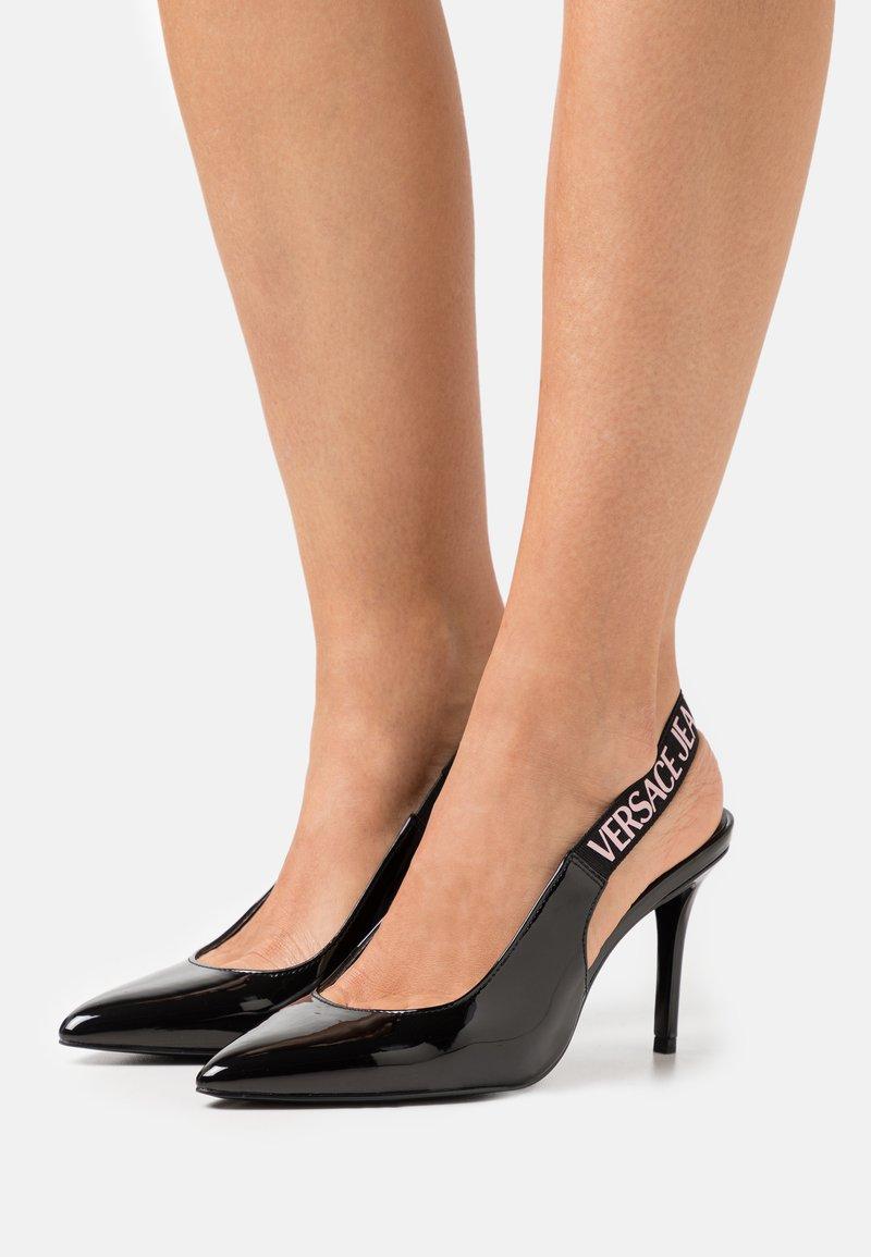 Versace Jeans Couture - Czółenka - black