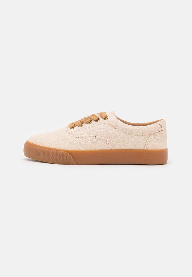 VENDETTA - Sneakers basse - offwhite