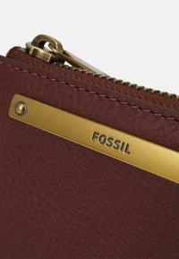 Fossil - LIZA - Wallet - brown - 4