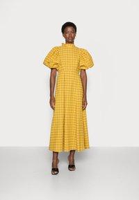 Selected Femme - SLFCHECKIE 2/4 ANKLE DRESS G - Maxiklänning - arrowwood - 0
