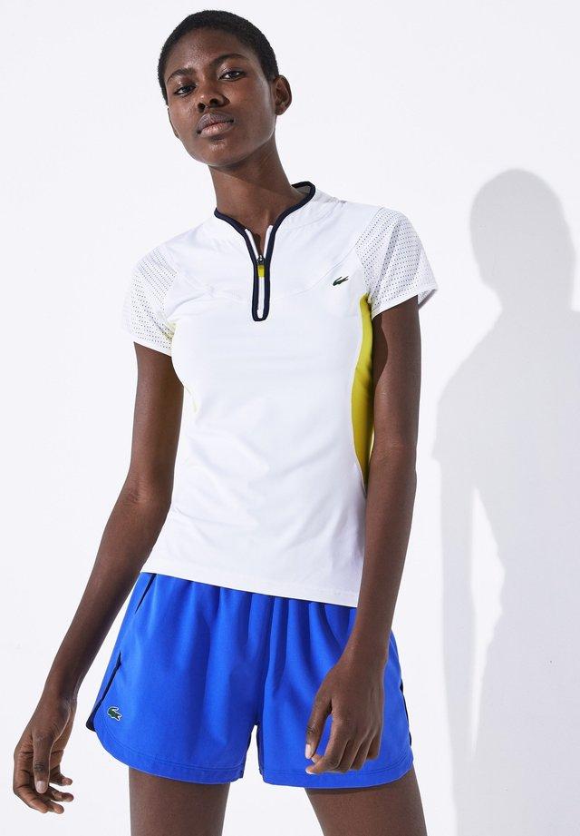 TENNIS SHIRT - Print T-shirt - blanc / blanc / blanc / bleu marine / jaune