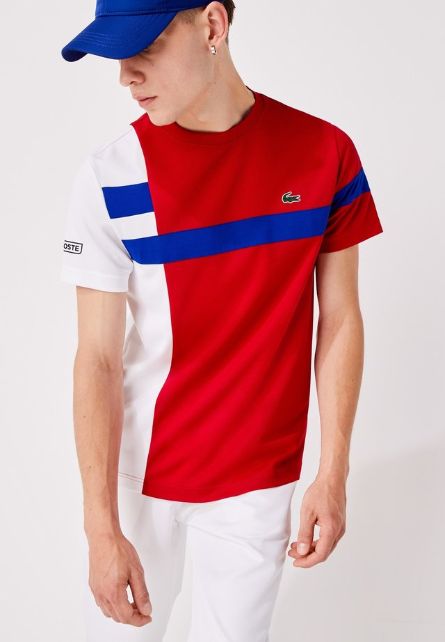 TH2070 - T-shirt con stampa - rouge / blanc / bleu / noir