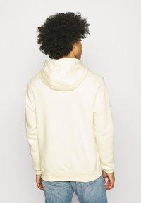 Nike Sportswear - CLUB HOODIE - Hoodie - coconut milk/white - 2