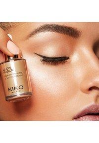 KIKO Milano - GLOW FUSION HIGHLIGHTING DROPS - Highlighter - 03 gold mine - 1