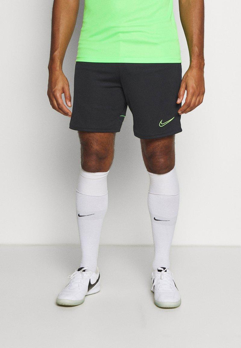 Nike Performance - ACADEMY SHORT - Träningsshorts - black/green strike