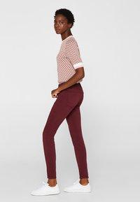 Esprit - SUPERSTRETCH - Jeans Skinny Fit - garnet red - 1