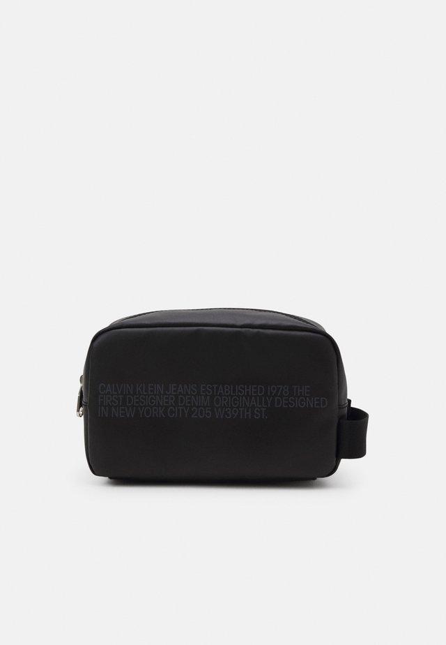 WASHBAG - Toiletti-/meikkilaukku - black