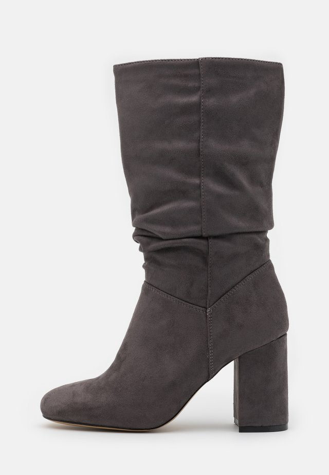 ROUCHED BOOT - Botas - grey