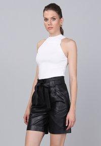 Basics and More - Shorts - black - 2