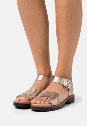 ORINOCO STRAP - Sandalias - metallic