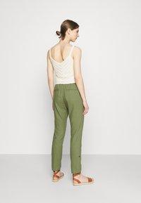 Roxy - Trousers - vineyard green - 2