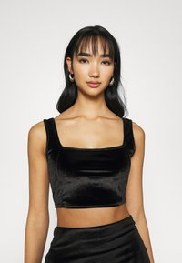Glamorous - CROP WITH WIDE STRAPS AND SQUARE NECKLINE CO-ORD - Top - black velvet - 0