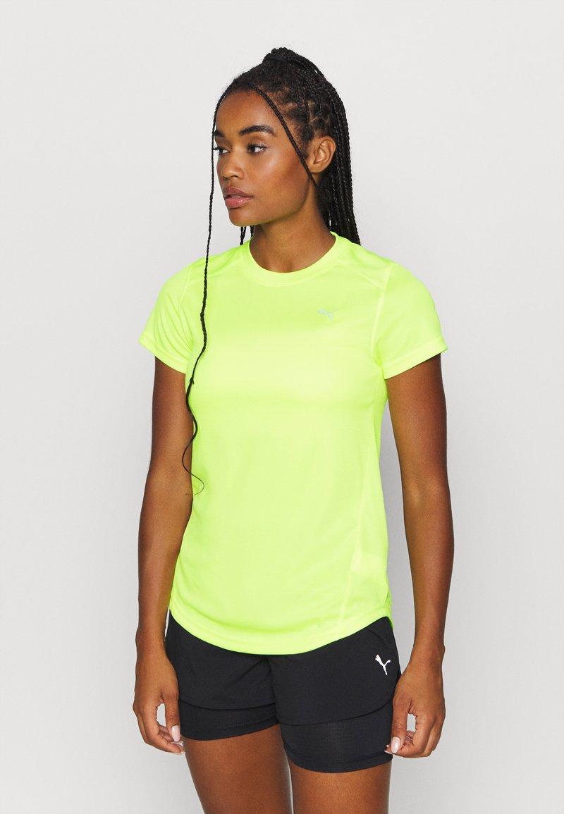 Puma - IGNITE TEE - Print T-shirt - fizzy yellow