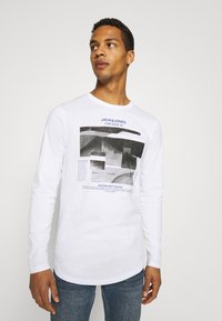Jack & Jones - JCOSAWYER TEE CREW NECK - Long sleeved top - white - 0