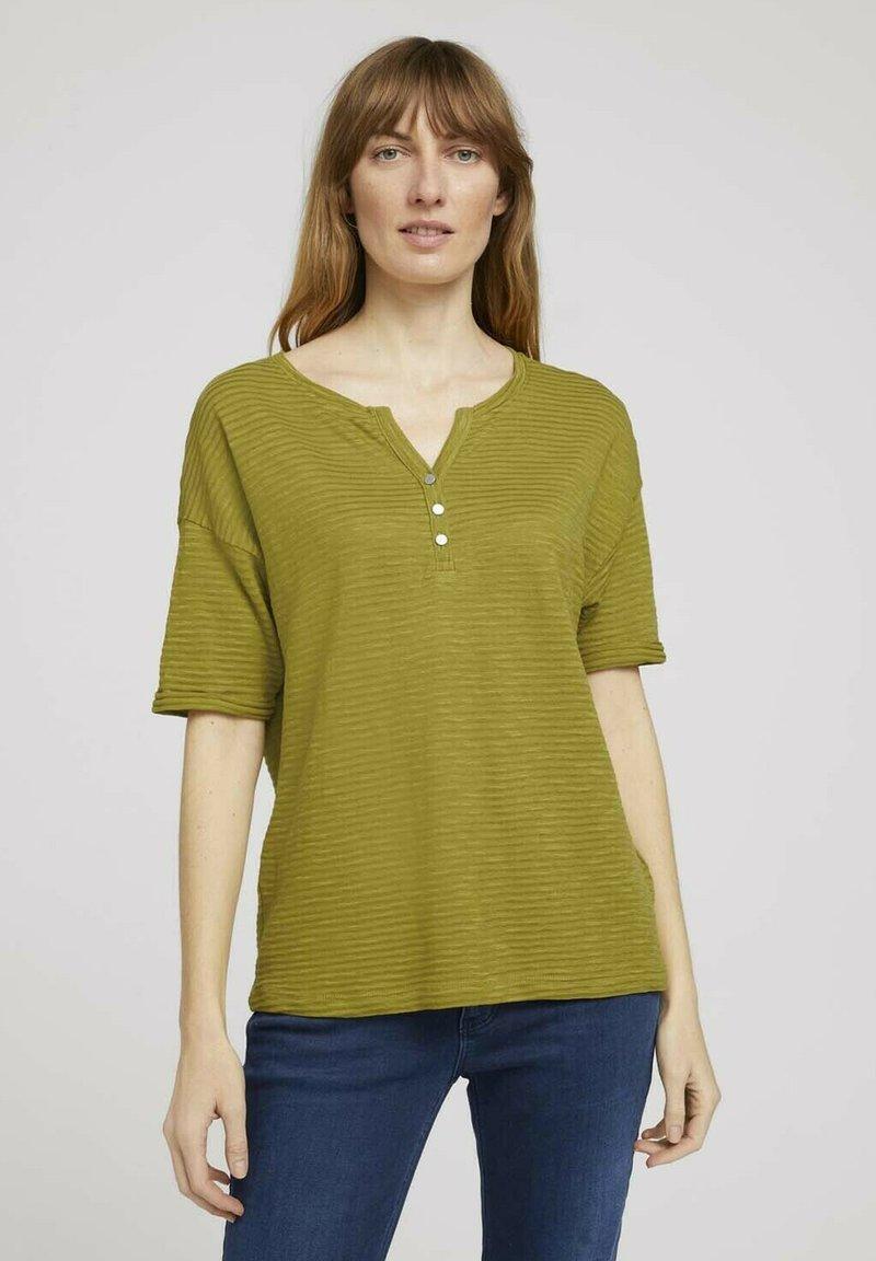 TOM TAILOR - Print T-shirt - gecko green
