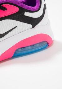 Nike Sportswear - Sneakers basse - white/black/hyper pink/photo blue - 5