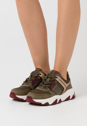 CEYDA - Zapatillas - dark green/bordo