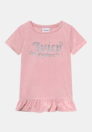 BABY HEART ONE FRILL - Jersey dress - almond blossom
