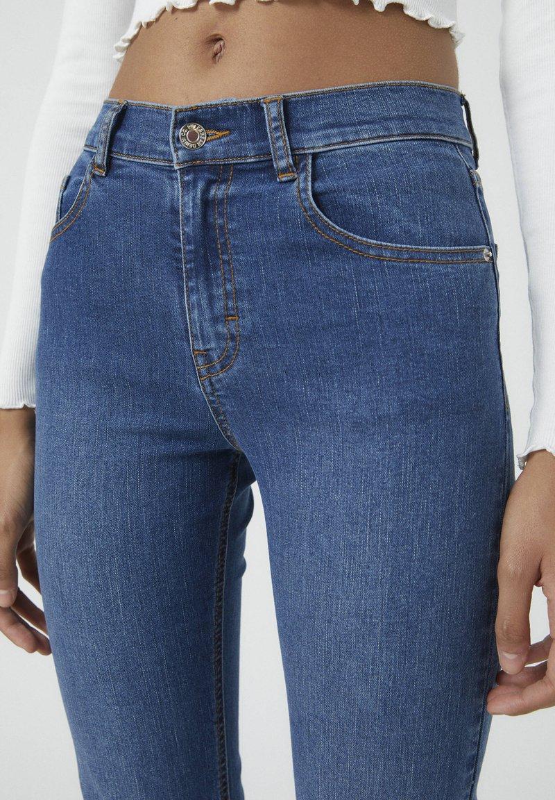 PULL&BEAR Jeans Bootcut - mottled blue/dark-blue denim 3J1Hdo