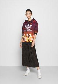 adidas Originals - GRAPHICS SPORTS INSPIRED HOODED - Kapuzenpullover - multicolor - 1