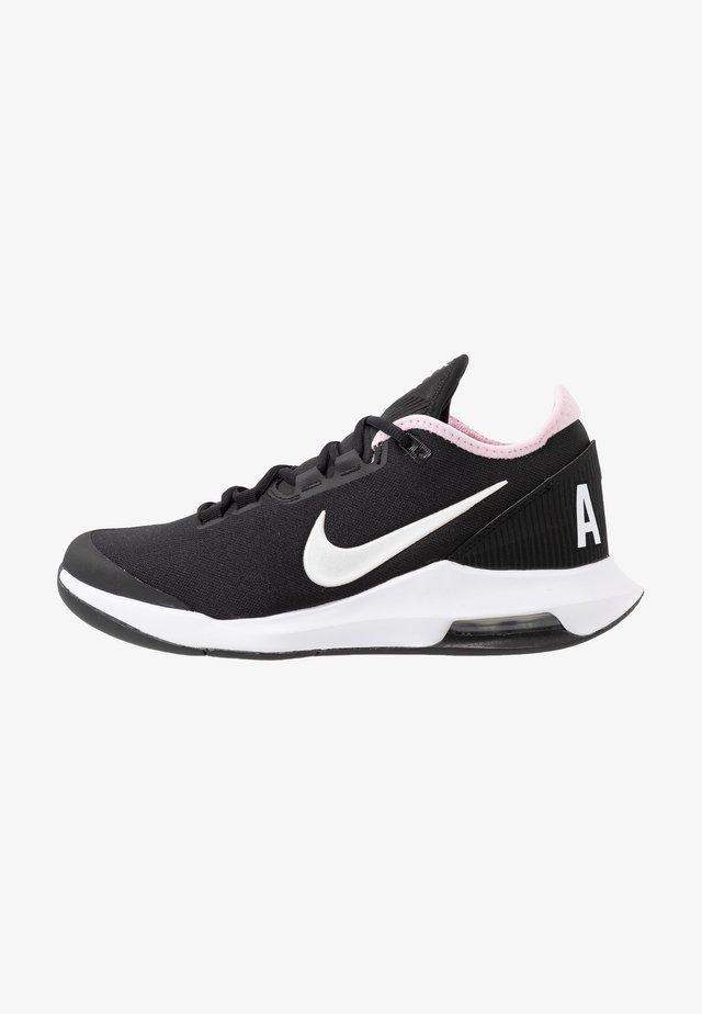 COURT AIR MAX WILDCARD - Tenisové boty na všechny povrchy - black/white/pink foam