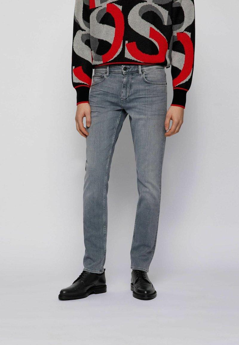 BOSS - Jeans slim fit - light grey