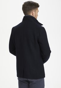 Matinique - MATINIQUE MAHARVEY SHORT - Blazer jacket - dark navy - 4