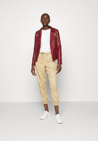 Zign - Short oversize sweatshirt - Sweatshirt - off white - 1