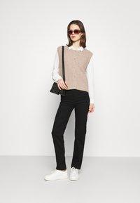 Marks & Spencer London - SIENNA - Straight leg jeans - black - 1