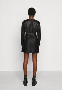 2nd Day - ELECTRA - Pouzdrové šaty - black - 2