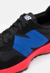 New Balance - 327 - Trainers - black - 7