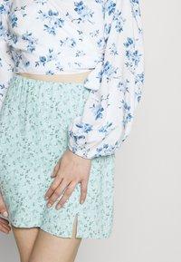 Hollister Co. - SOFT SLIT - Mini skirt - light blue - 4