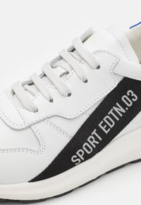 Dsquared2 - UNISEX - Sneaker low - white - 5