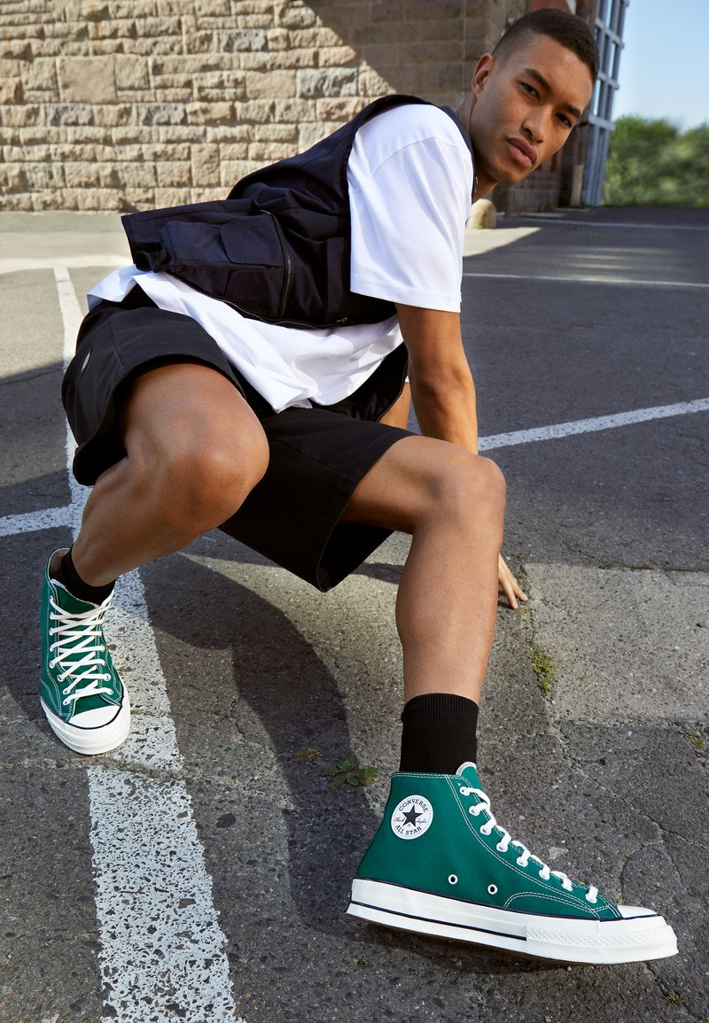 Converse - CHUCK TAYLOR ALL STAR 70 - High-top trainers - midnight clover/egret/black