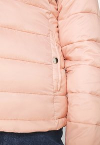 ONLY - ONLSANDIE QUILTED JACKET  - Light jacket - misty rose - 4