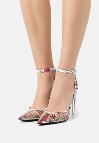 Steve Madden - ALESSI - Classic heels - white - 0