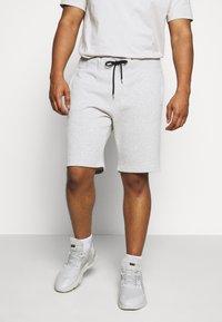Pier One - 2 PACK - Shorts - black/mottled light grey - 2