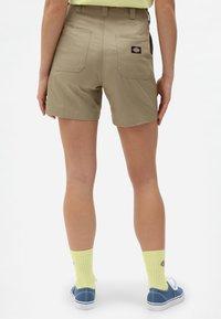 Dickies - Shorts - khaki - 2