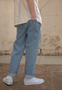 Obey Clothing - HARD WORK CARPENTER - Jeans a sigaretta - light indigo - 2