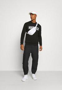 Hoodrich - CORE - Sweatshirt - black - 1