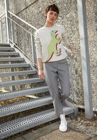 PS Paul Smith - LARGE DINO PRINT - Športni pulover - ivory - 2