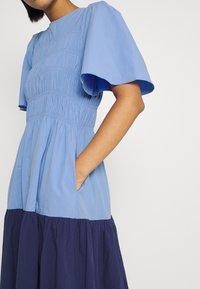 YAS - YASMARVIS LONG DRESS  - Maxi dress - cornflower blue/blue block - 4